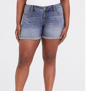 Torrid cuffed denim shorts
